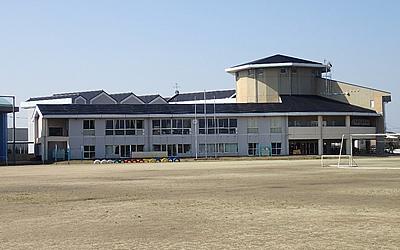 日の出中学校