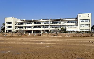 牛堀中学校